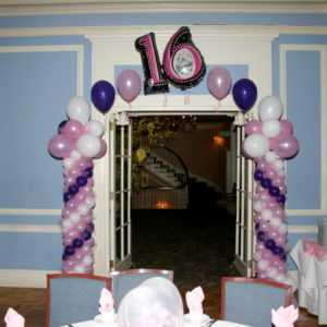 Sweet 16 Balloon COlumns