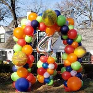 Do you need a very special organic balloon arch to help celebrate a Birthday? Let us create an arch like this in your favorite colors to make for a great display.